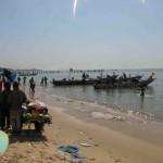 Am Strand von Mbour - dem Fischerhafen (kann sich einer vorstellen, wie das stinkt hier?)